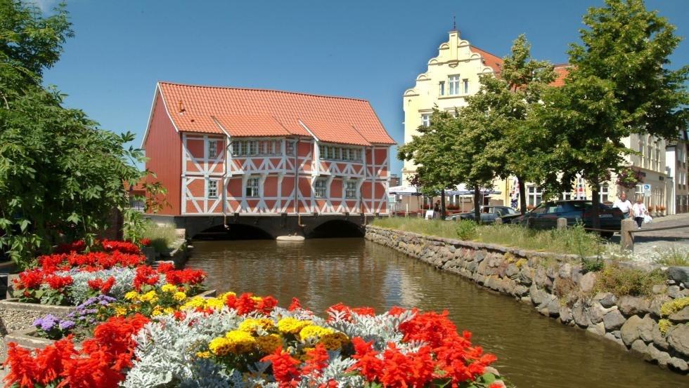 Am Ende der Grube befindet sich das Gewölbe und bildet die Verbindung zur Ostsee, © Tourismuszentrale Wismar