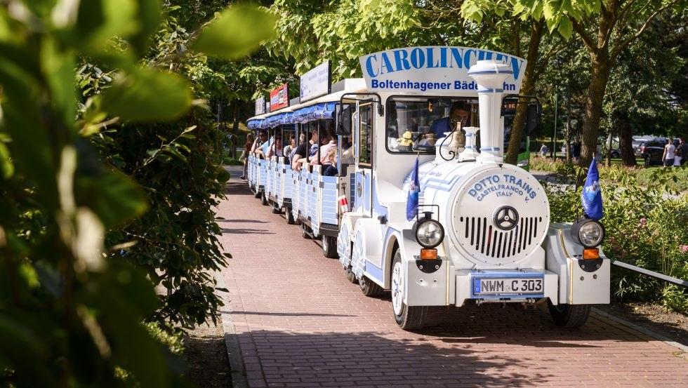 Die Bäderbahn Carolinchen ist eine beliebte Urlaubsattraktion in Boltenhagen., © Patrick Lux