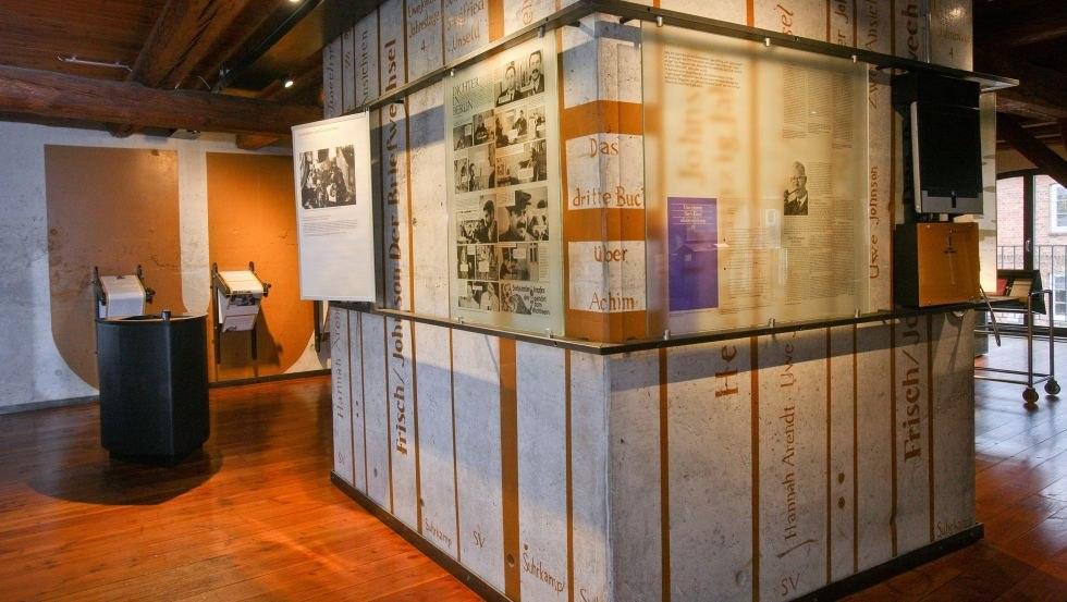 """Ausstellung zum berühmten Schriftsteller Uwe Johnson, © Literaturhaus """"Uwe Johnson"""", Silke Winkler"""