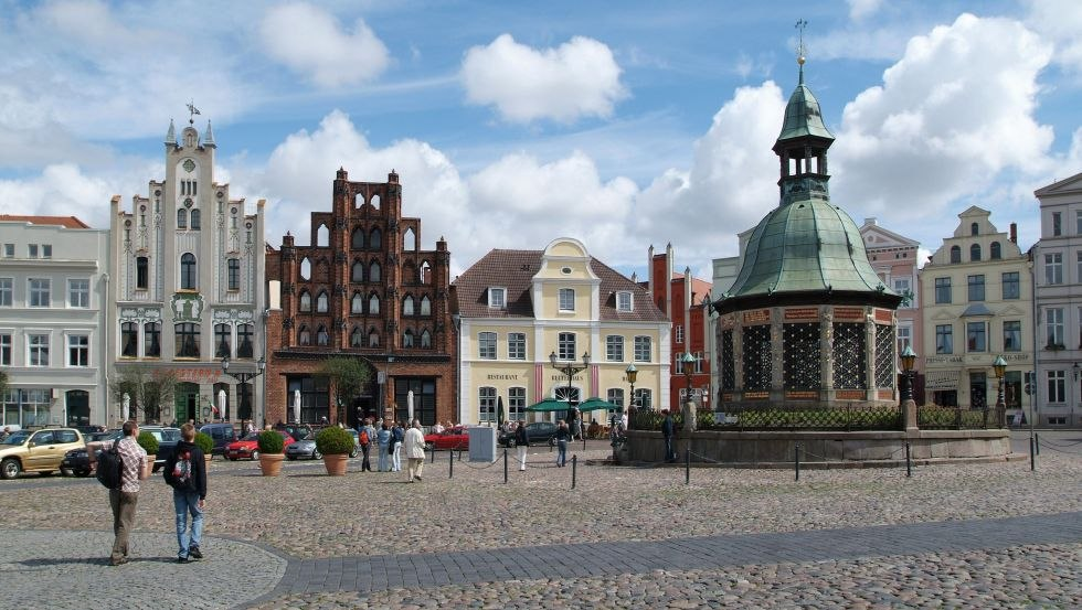 """Das Restaurant """"Alter Schwede"""" befindet sich am Marktplatz von Wismar, © Hansestadt Wismar, H.Volster"""