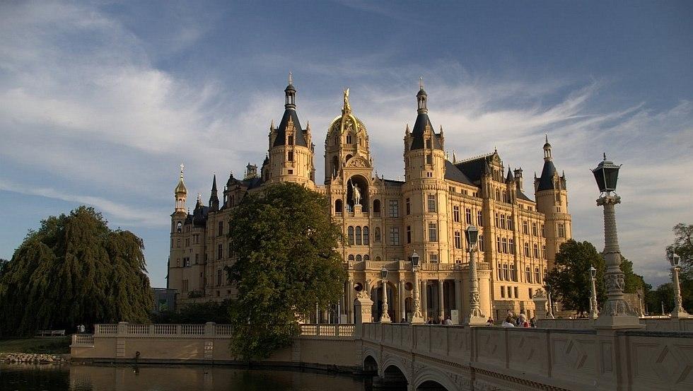 Das Schweriner Schloss ist das Wahrzeichen der Landeshauptstadt, © Carsten Pescht