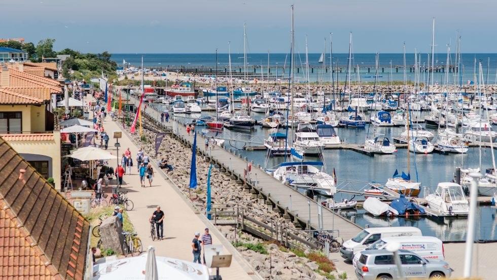 Die quirlige Flaniermeile am Bootshafen ist eine beliebter Anziehungspunkt für Einheimische und Gäste., © Friederike Hegner